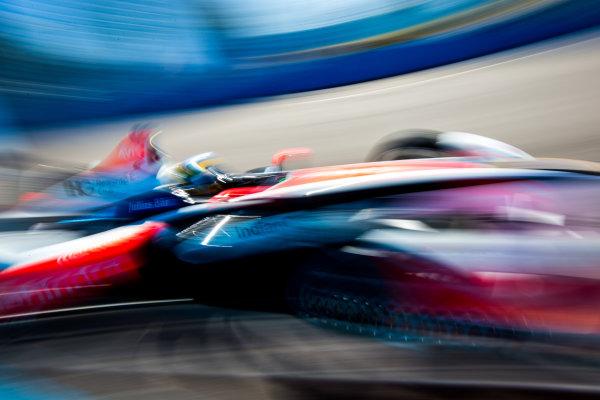 2015/2016 FIA Formula E Championship. Testing, Punta del Este, Uruguay. Sunday 20 December 2015. Bruno Senna (BRA), Mahindra Racing M2ELECTRO. Photo: Zak Mauger/LAT/Formula E ref: Digital Image _L0U0290