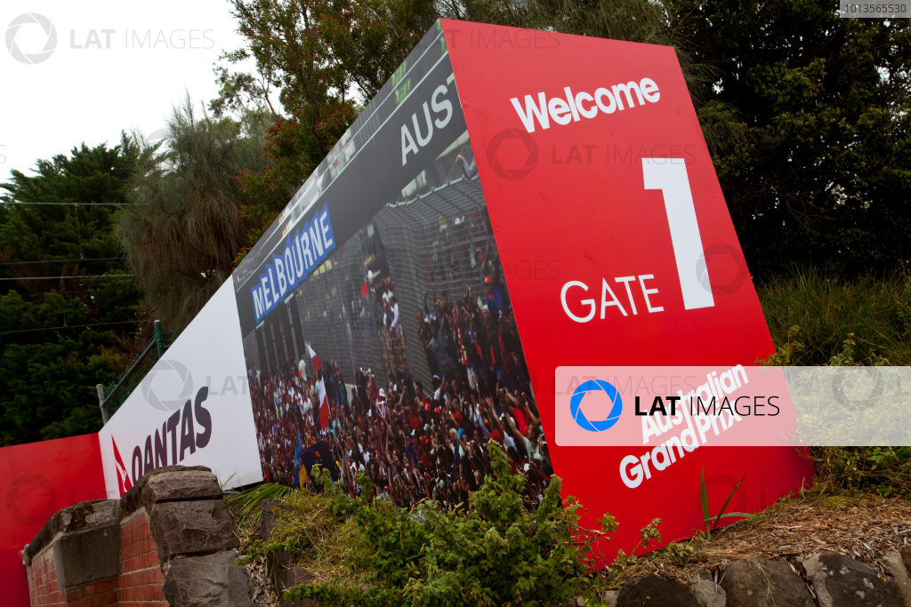 Albert Park, Melbourne, Australia22nd March 2011.Welcome signs to the Australian GPWorld Copyright: Alastair Staley/LAT Photographicref: Digital Image AS5D5770