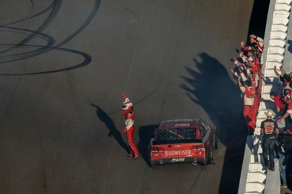 7-9 November, 2014, Avondale, Arizona USA Winner Kevin Harvick celebrates burnout ©2014, Michael L. Levitt LAT Photo USA