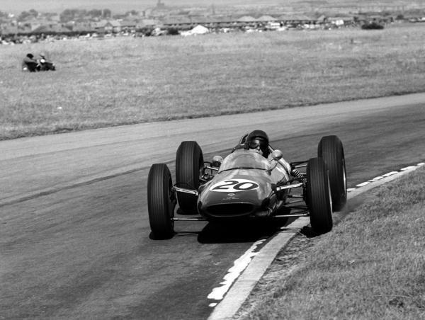 Race winner Jim Clark (GBR) Lotus 25. British Grand Prix, Aintree, 21 July 1962.