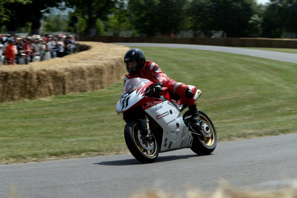 2005 Goodwood Festival of SpeedGoodwood Estate, West Sussex. 24th - 26th June MV Agusta F4 1000S Superbike. Action World Copyright: Gary Hawkins/LAT Photographicref: Digital Image Only