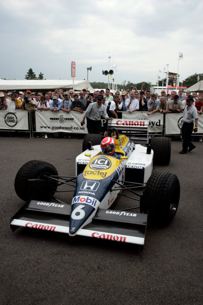 2005 Goodwood Festival of SpeedGoodwood Estate, West Sussex. 24th - 26th June Nelson Piquet Jr heads for the start in his fathers Williams Honda FW11B World Copyright: Gary Hawkins/LAT Photographicref: Digital Image Only