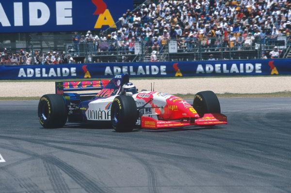Adelaide, Australia. 10-12 November 1995. Gianni Morbidelli, Footwork FA16 Hart, 3rd position, action. Ref-95 AUS 46 World Copyright - LAT Photographic