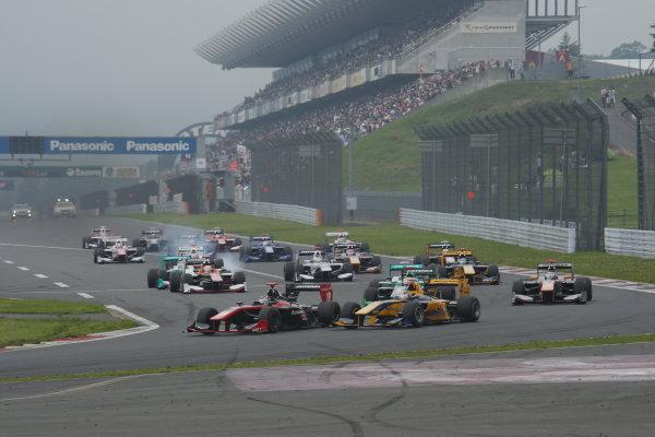 2014 Super Formula Series. Fuji, Japan. 11th - 13th July 2014. Rd 3. Start of the race, action World Copyright: Yasushi Ishihara / LAT Photographic. Ref: 2014SF_Rd3_002.JPG