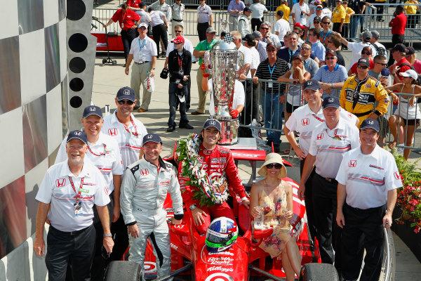 27 May, 2012, Indianapolis, Indiana, USADario Franchitti celebrates with wife Ashley Judd and Honda executives in victory lane.`(c)2012, Phillip AbbottLAT Photo USA