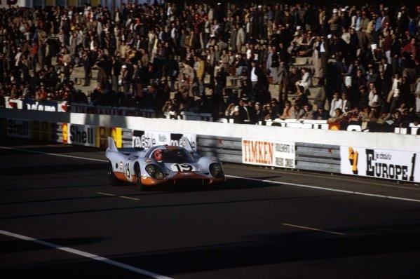1971 Le Mans 24 hours.Le Mans, France. 12-13 June 1971.Herbert Muller/Richard Attwood (Porsche 917K), 2nd position.World Copyright: LAT PhotographicRef: 35mm transparency 71LM05