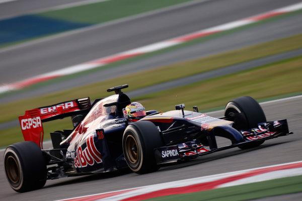 2014 F1 Pre Season Test 2 - Day 3 Bahrain International Circuit, Bahrain. Saturday 22 February 2014. Jean-Eric Vergne, Toro Rosso STR9 Renault. World Copyright: Glenn Dunbar/LAT Photographic. ref: Digital Image _W2Q4438