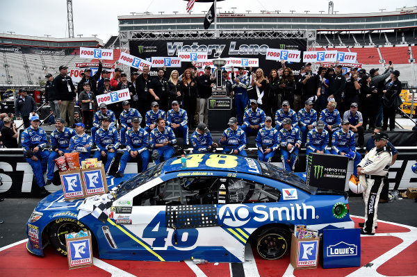 Monster Energy NASCAR Cup Series Food City 500 Bristol Motor Speedway, Bristol, TN USA Jimmie Johnson wins the Food City 500 World Copyright: Rusty Jarrett LAT Images ref: Digital Image 17BMS1rj_8473