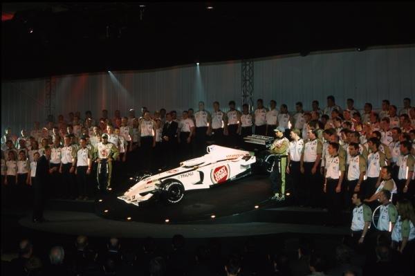The BAR Honda 004 is unveiledBAR Honda 004 Launch, Brackley 18 December 2001BEST IMAGE
