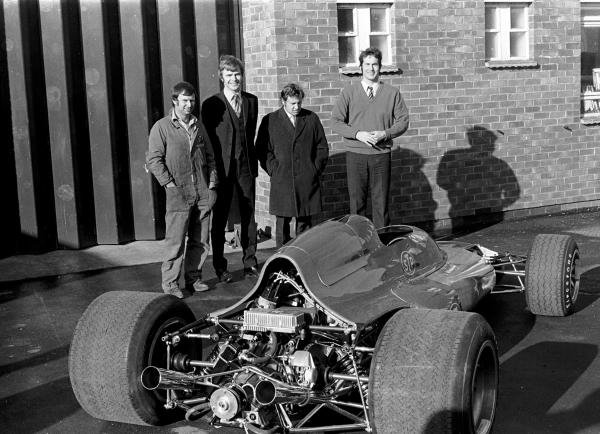 L to R: Chief Mechanic Pete Kerr(NZL), Max Mosley(GBR),  Alan Rees(GBR), and Robin Herd(GBR) Outside the March factory with March 711 F1 car March 711 launch, Bicester, England,  1971