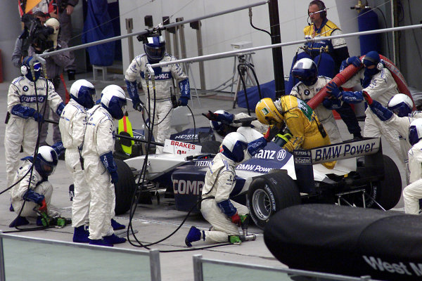 2001 Malaysian Grand Prix.Sepang, Kuala Lumpur, Malaysia. 16-18 March 2001.Ralf Schumacher (Williams FW23 BMW) takes a pitstop on his way to 5th position.World Copyright - Photo 4/LAT Photographic.ref: 8mb Digital Image