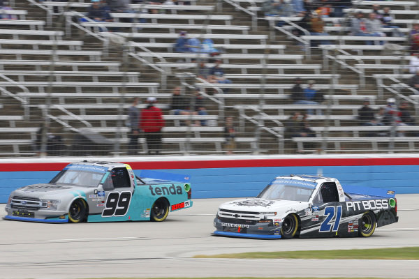 #99: Ben Rhodes, ThorSport Racing, Ford F-150 Tenda Heal, #21: Zane Smith, GMS Racing, Chevrolet Silverado