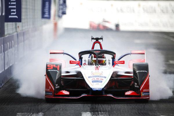 Pascal Wehrlein (DEU), Mahindra Racing, M5 Electro. locks up