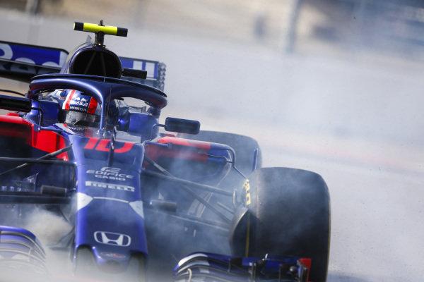 Pierre Gasly, Scuderia Toro Rosso STR13 spins