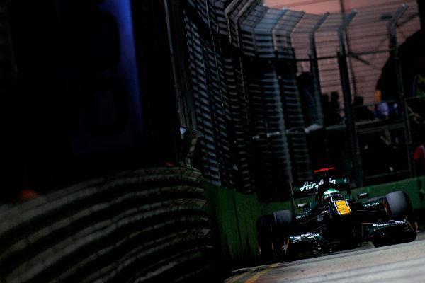 Marina Bay Circuit, Singapore.24th September 2011.Heikki Kovalainen, Lotus T128 Renault. Action. World Copyright:Glenn Dunbar/LAT Photographicref: Digital Image _G7C6668