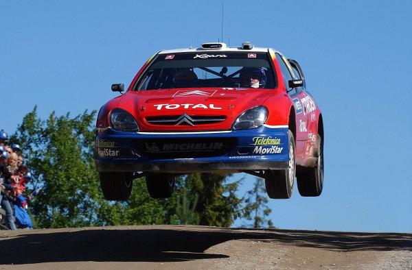 Colin McRae (GBR) jumps his Citroen Xsara WRC on stage 13. FIA World Rally Championship, Rd9, Neste Rally Finland, Jyvaskyla, Finland. Day 2, 9 August 2003. DIGITAL IMAGE