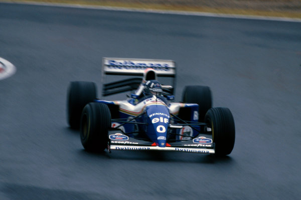 Suzuka, Japan. 4th - 6th November 1994. Damon Hill (Williams FW16B Renault) 1st position.Ref-94 JAP 09.World Copyright - LAT Photographic