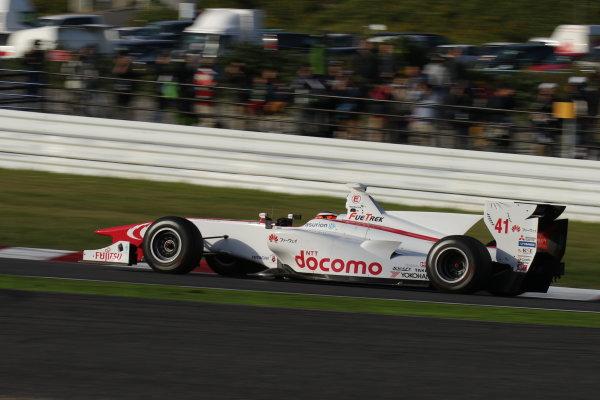 2016 Japanese Super Formula. Suzuka, Japan. 29th - 30th October 2016. Rd 7. Race 2 - Winner Stoffel Vandoorne ( #41  DOCOMO DANDELION M41S SF14 ) action World Copyright : Yasushi Ishihara / LAT Photographic. Ref : 2016SF_Rd7_SUZUKA_014