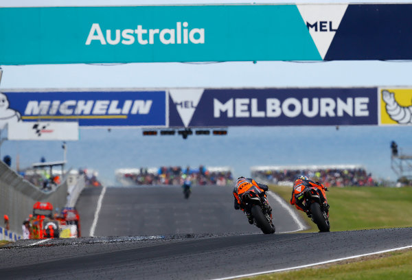 2017 MotoGP Championship - Round 16 Phillip Island, Australia. Sunday 22 October 2017 Pol Espargaro, Red Bull KTM Factory Racing, Bradley Smith, Red Bull KTM Factory Racing World Copyright: Gold and Goose / LAT Images ref: Digital Image 24461