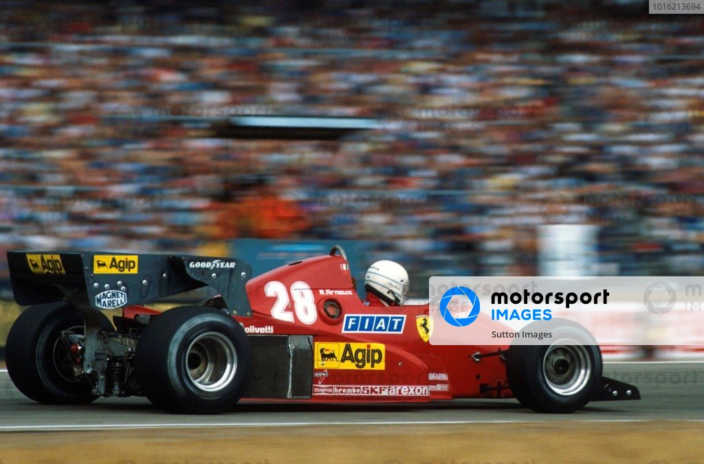 Race winner Rene Arnoux (FRA) Ferrari 126C3.