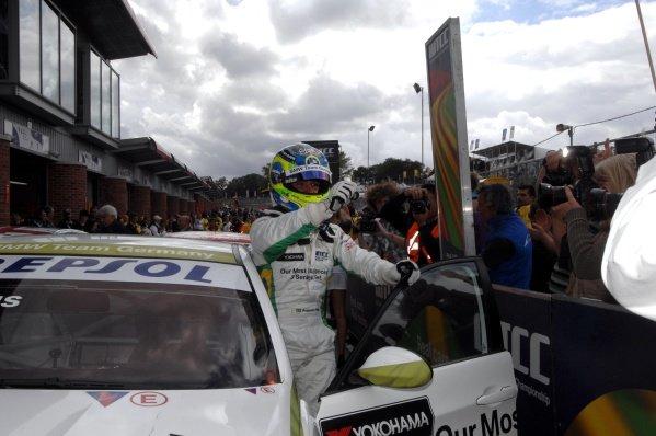 Augusto Farfus Jr (BRA), BMW, won race 2. FIA World Touring Car Championship, Rd8, Brands Hatch, England, 19 July 2009.