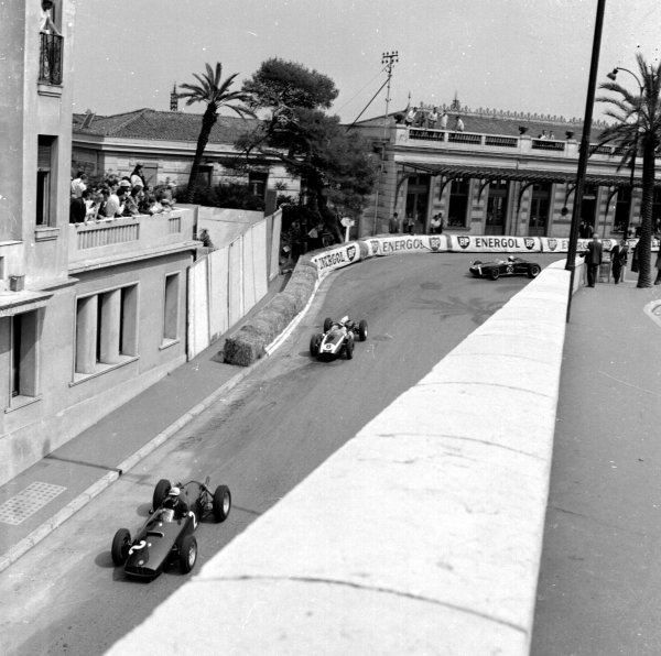 1960 Monaco Grand Prix.Monte Carlo, Monaco.26-29 May 1960.Jo Bonnier (BRM P48) leads Jack Brabham (Cooper T53-Climax) and Stirling Moss (Lotus 18 Climax) out of Station Hairpin.Ref-6516.World - LAT Photographic