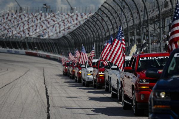 American Flags, Pre Race