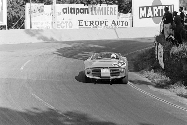 Willy Mairesse / John Surtees, Scuderia Ferrari, Ferrari 250P.
