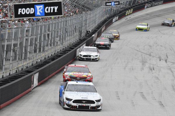 #6: Ryan Newman, Roush Fenway Racing, Ford Mustang Wyndham Rewards, #18: Kyle Busch, Joe Gibbs Racing, Toyota Camry Skittles