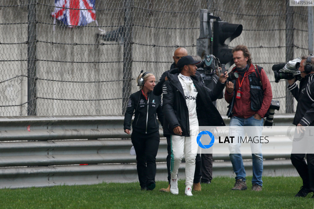 Shanghai International Circuit, Shanghai, China.  Friday 07 April 2017.  Lewis Hamilton, Mercedes AMG, takes to the track to entertain the fans. World Copyright: Charles Coates/LAT Images  ref: Digital Image AN7T4701