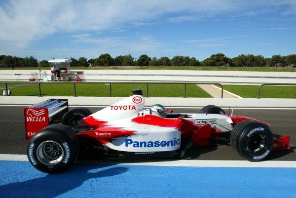 Tora Takagi (JPN) Tests the Toyota TF102 for the first time.Formula One Testing, 15 - 17 May 2002Paul Ricard, France.DIGITAL IMAGE.