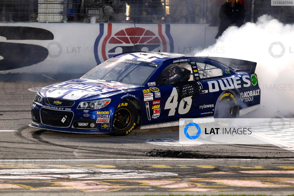 1-3 November, 2013, Fort Worth, Texas USA Jimmie Johnson celebrates his win with a burnout © 2013, Russell LaBounty LAT Photo USA