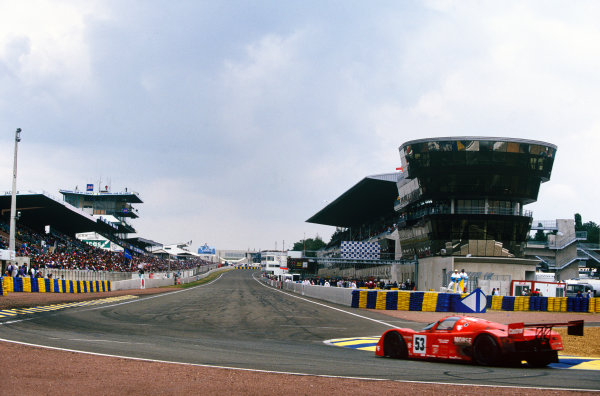 Le Mans, France. 20th - 21st June 1992.Derek Bell/Justin Bell/Tiff Needell (Porsche 962C), 12th position, action. World Copyright: LAT Photographic.Ref:  92LM09.