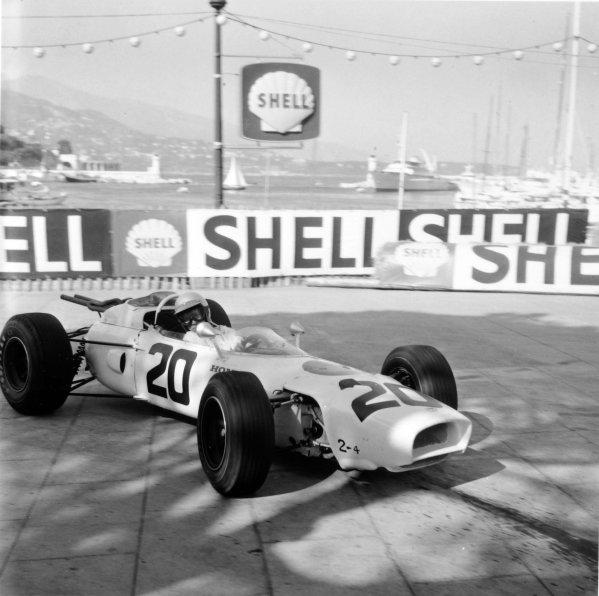 1965 Monaco Grand Prix.Monte Carlo, Monaco.28-30 May 1965.Richie Ginther (Honda RA272), retired, action.Ref-29532World Copyright - LAT Photographic
