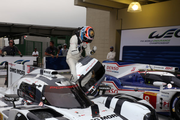 2014 World Endurance Championship, Interlagos, Brazil. 28th - 30th November 2014. Romain Dumas / Neel Jani / Marc Lieb Porsche AG Porsche 919 Hybrid. World Copyright: Ebrey / LAT Photographic.
