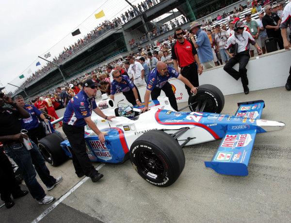 21-22 May, 2011, Indianapolis, Indiana, USAMike Conway gets pushed down the qualifying lane©2011, Maria W. GradyLAT Photo USA
