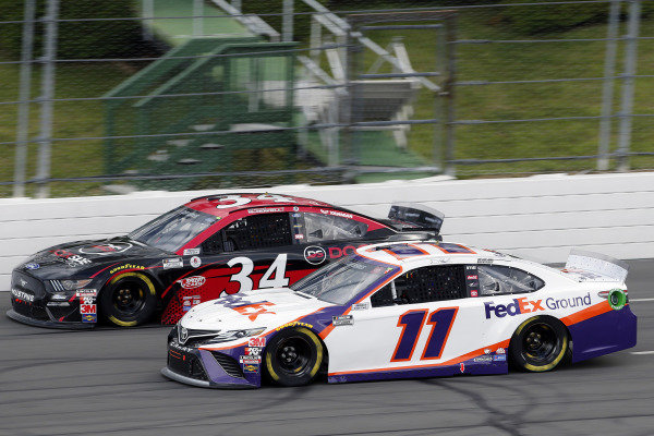 #11: Denny Hamlin, Joe Gibbs Racing, Toyota Camry FedEx Ground and #34: Michael McDowell, Front Row Motorsports, Ford Mustang