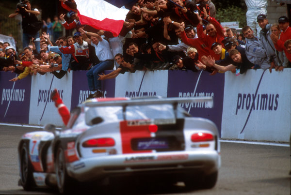 2001 Spa Francorchamps 24HoursSpa-Francorchamps, Belgium. 6th - 7th August 2001.The race winning Larbre Competition , Chrylser Viper GTS-R, of Duez, Bouchut and Belloc, crosses the finish line.World Copyright: Peter Fox/LAT Photographic ref: Digital Image Only