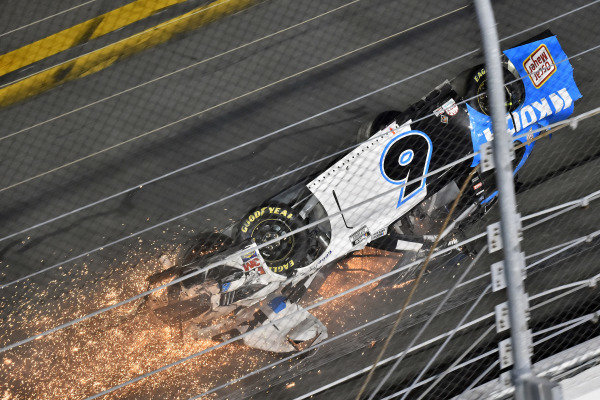 #6: Ryan Newman, Roush Fenway Racing, Ford Mustang Koch Industries and #32: Corey LaJoie, Go FAS Racing, Ford Mustang RagingBull.com wreck