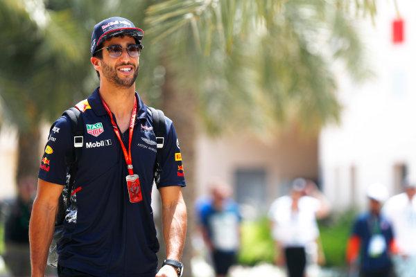 Bahrain International Circuit, Sakhir, Bahrain.  Friday 14 April 2017. Daniel Ricciardo, Red Bull Racing.  World Copyright: Sam Bloxham/LAT Images ref: Digital Image _J6I8757
