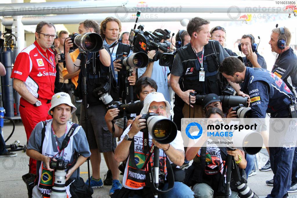 Photographers and Stefano Domenicali (ITA) Ferrari General Director. Formula One World Championship, Rd20 Brazilian Grand Prix, Practice, Sao Paulo, Brazil, 23 November 2012.