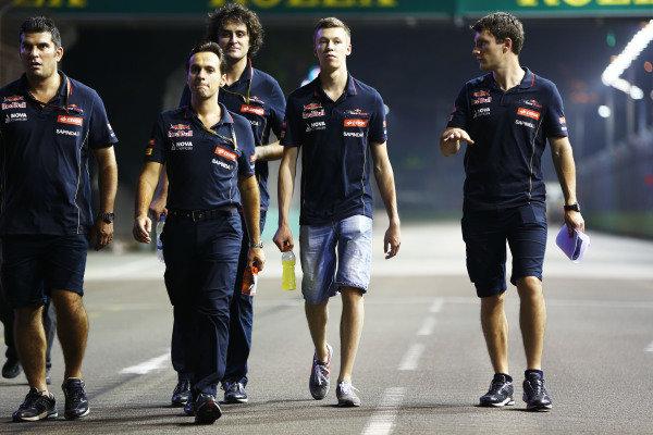 Marina Bay Circuit, Singapore. Thursday 18 September 2014. Daniil Kvyat, Toro Rosso. World Copyright: Andy Hone/LAT Photographic. ref: Digital Image _ONZ1783