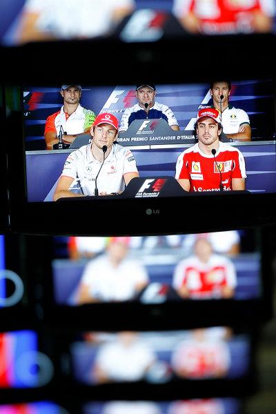 Autodromo Nazionale di Monza, Monza, Italy.9th September 2010.Vitantonio Liuzzi, Force India VJM03 Mercedes, Rubens Barrichello, Williams FW32 Cosworth, Jarno Trulli, Lotus T127 Cosworth, Jenson Button, McLaren MP4-25 Mercedes and Fernando Alonso, Ferrari F10  on the screens in the Media Centre.World Copyright: Andrew Ferraro/LAT Photographicref: Digital Image _Q0C6595