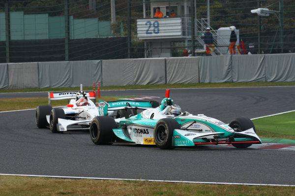 Rd 7 Suzuka, Japan. 6th - 7th November 2010.Race2, 2nd position Andre Lotterer ( #36 PETRONAS TEAM TOM'S ) action.World Copyright: Yasushi Ishihara/LAT Photographic.Ref: 2010FN_R7_021.