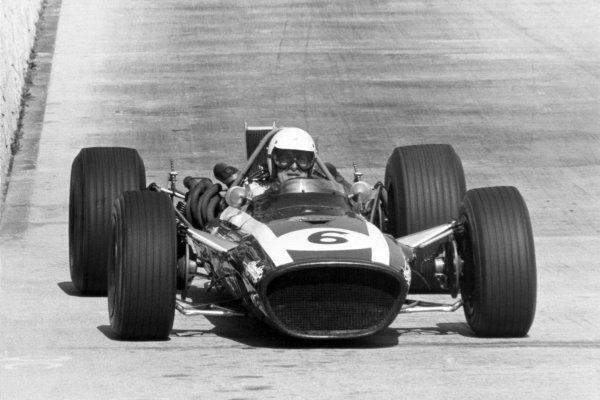 1968 Monaco Grand Prix.Monte Carlo, Monaco. 26 May 1968.Ludovico Scarfiotti, Cooper T86B-BRM, 4th position, action.World Copyright: LAT PhotographicRef: Autosport b&w print