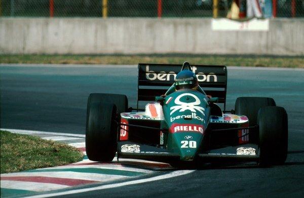 Winner Gerhard Berger (AUS) Benetton B186 Mexican Grand Prix, Mexico City, 12 October 1986