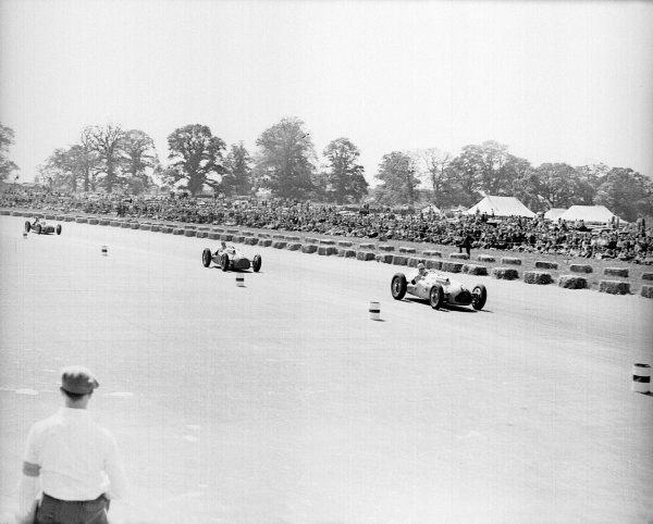 Silverstone, Great Britain. 14 May 1949.Johnny Claes leads Philippe Etancelin and Yves Giraud-Cabantous (all Lago-Talbot T26C).Ref-Motor 766/24.World Copyright - LAT Photographic