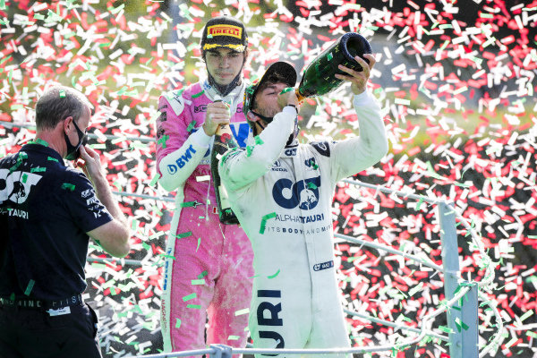 Race Winner Pierre Gasly, AlphaTauri celebrates on the podium with the champagne