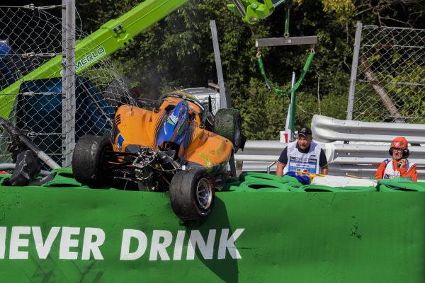 Alexander Peroni (AUS) Campos Racing, crashes at the Parabolica corner