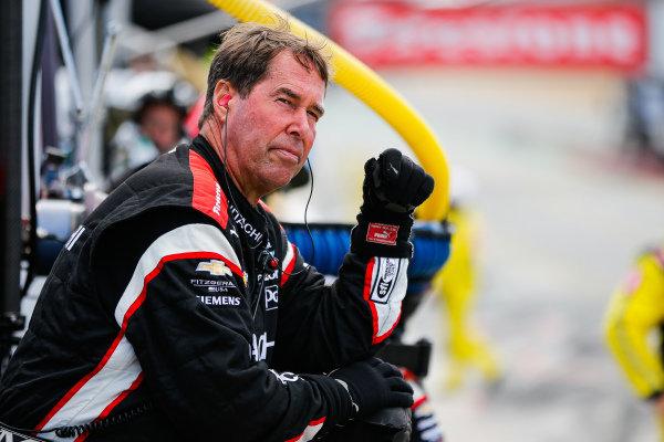 Josef Newgarden, Team Penske Chevrolet, crew members